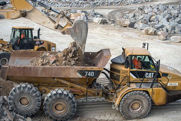 excavadoras frontales con piedra